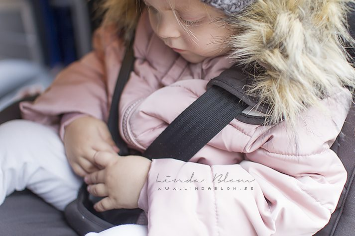 winter coats in car seats instruction 1